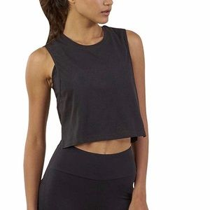 Tops - Cropped workout/running tank